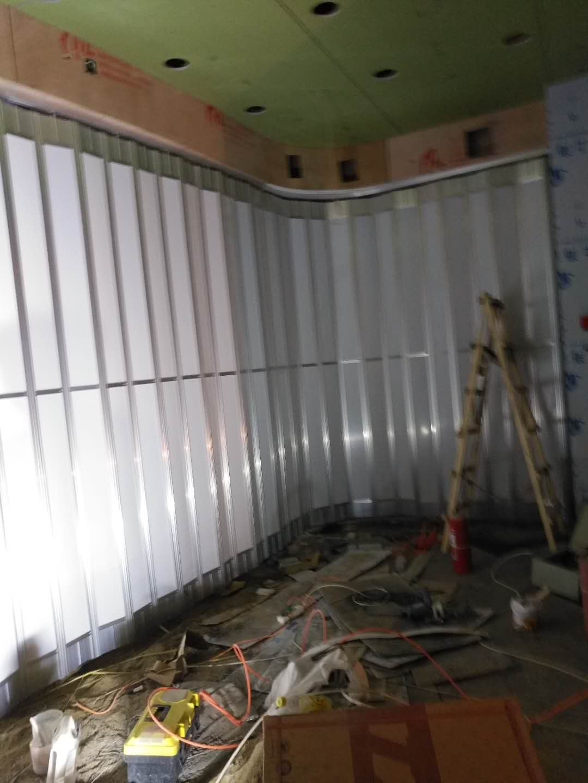 济南卷帘门玻璃隔断保养有哪些要注意的?