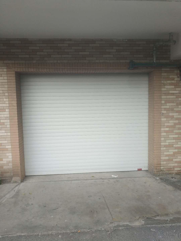 济南车库门中的平轮有什么作用?