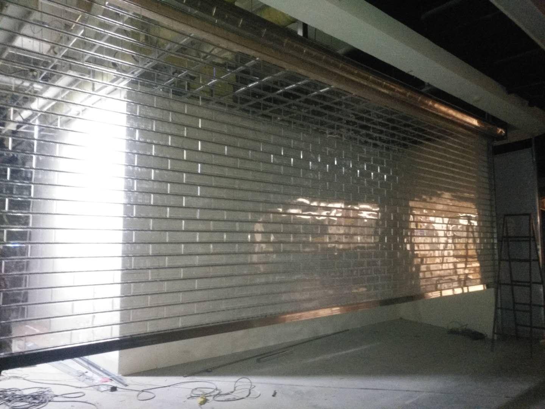 电动卷帘门电机内部结构与安装方法